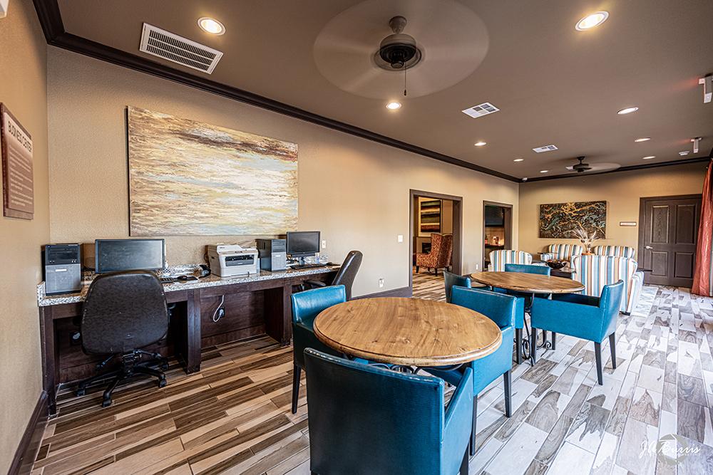 Sunset Lodge business center